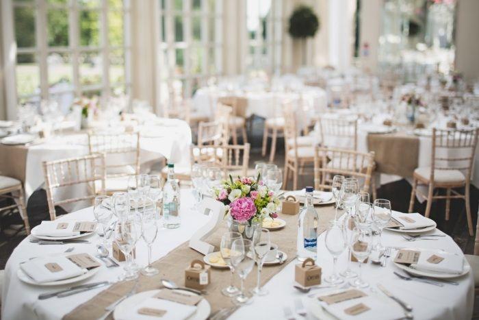 runde Tische Hochzeitsempfang dekorieren Vintage Stil