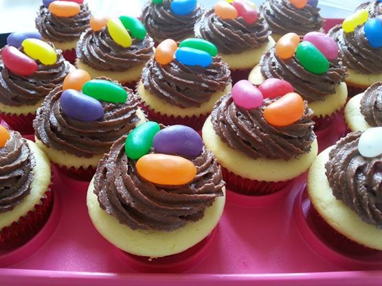 Cupcakes for the class break up party :)