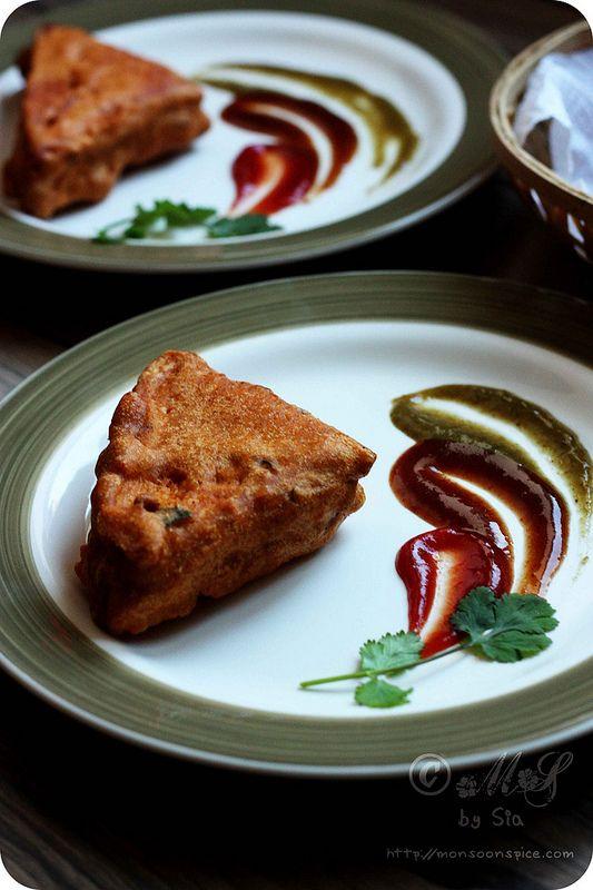 Stuffed Bread Pakoda/Pakora Recipe | How to Make Bread Pakoda/Pakora