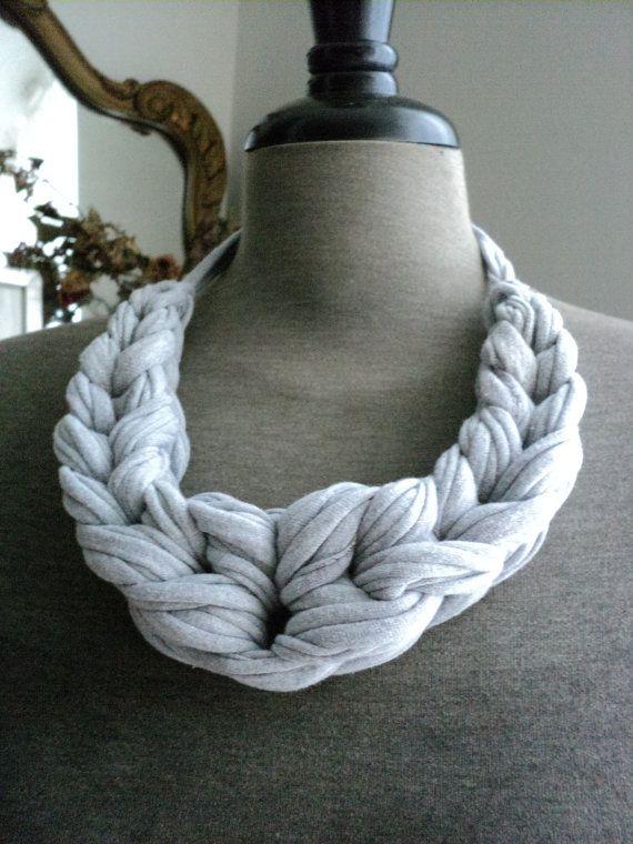 Laurel Looped Jersey Colar - Branca