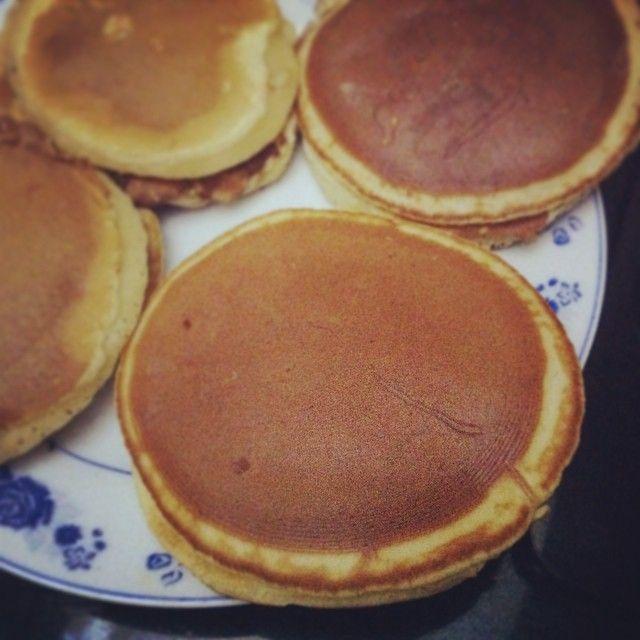 いいね!8件、コメント5件 ― Táo Đỏさん(@rilakkaholic)のInstagramアカウント: 「Watching #cookingwithdog and making #dorayaki :3」