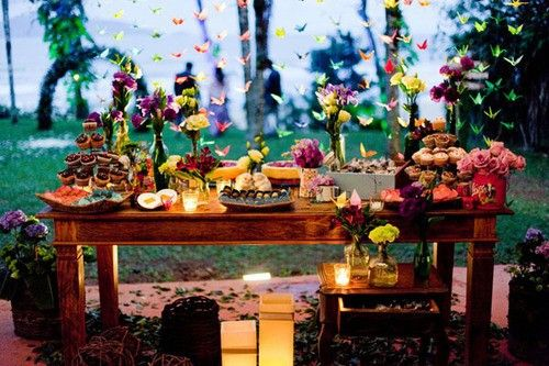 pretty little tea party: Wedding Receptions, Paper Cranes, Butterflies, Outdoor Dinners Parties, Outdoor Parties, Bohemian Style, Gardens Parties, Parties Time, Desserts Tables