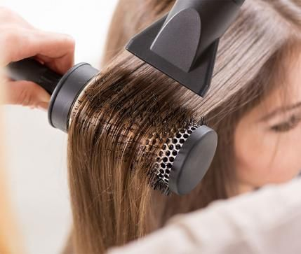 If you're sick of spending 30 minutes blow drying your hair, you're in luck. Here's how to blow dry your hair in record time.