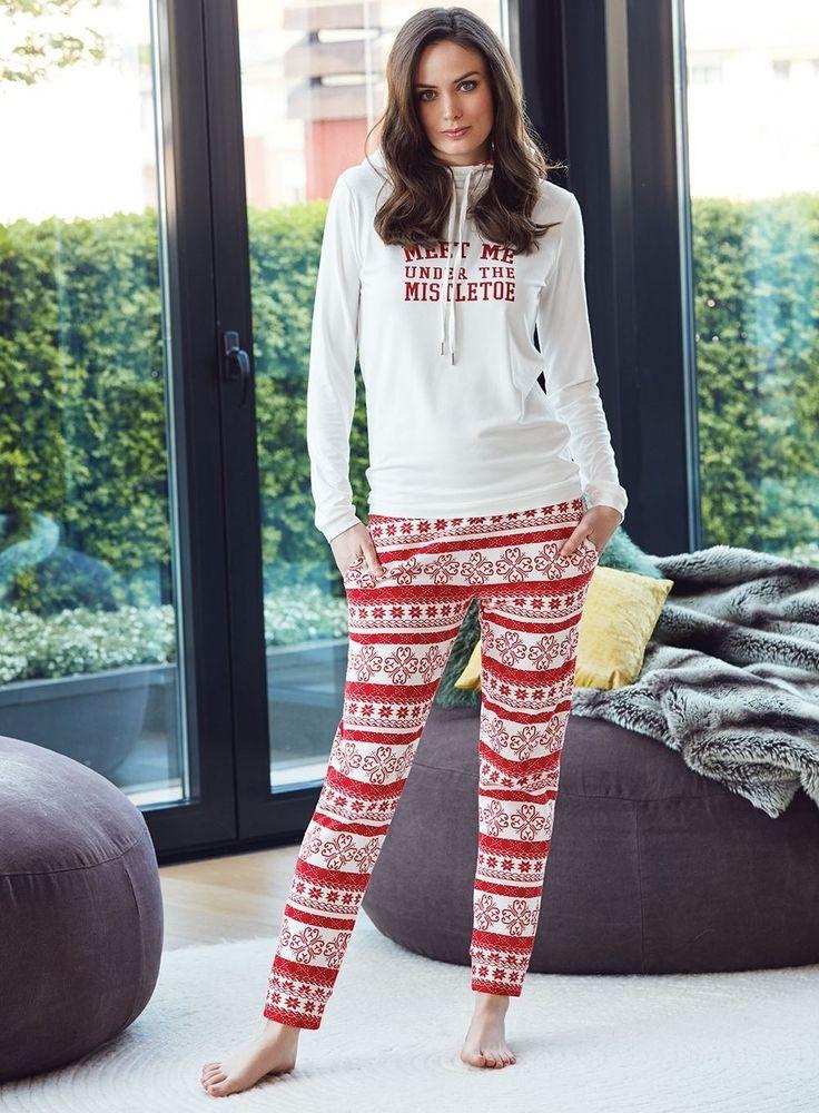 Kar Taneli Pijama Takım İle Yeni Yıla Şık Bir Giriş.. Penye Mood 8000 Bayan Pijama Takım #markhacom #YeniYılHediyesi  #Kartaneli #Kar #KarTaneliPijamaTakım #YeniYılPijamaTakım #YılBaşı #YılBaşıPijamaTakım #YeniYıl  #YeniYılHediyesi #NewYears #Yılbaşı #BayanPijama #BayanGiyim #YeniSezon #Moda #Fashion #Kırmızı #Ekru #KışTemalı