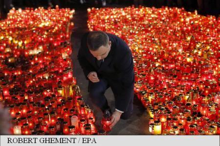 Poland president places flowers at tragic Colectiv club site – AGERPRES