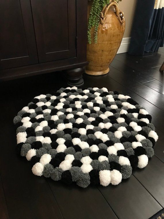 Soft And Fluffy Handmade Pom Pom Rug Each Yarn Ball Is Handmade And Individually Tied To The Mat Diameter Of Rug Is 28 Black White Rug Pom Pom Rug Diy Rug