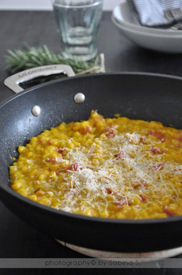 """Due bionde in cucina: """"Kurbis Spätzle"""" gnocchetti di zucca con salsiccia e rosmarino"""