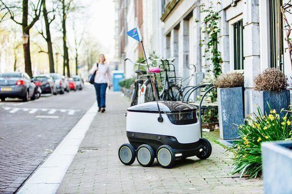 Domino's Europa comenzará a utilizar robots para entregar las pizzas a domicilio - https://www.vexsoluciones.com/tecnologias/dominos-europa-comenzara-a-utilizar-robots-para-entregar-las-pizzas-a-domicilio/