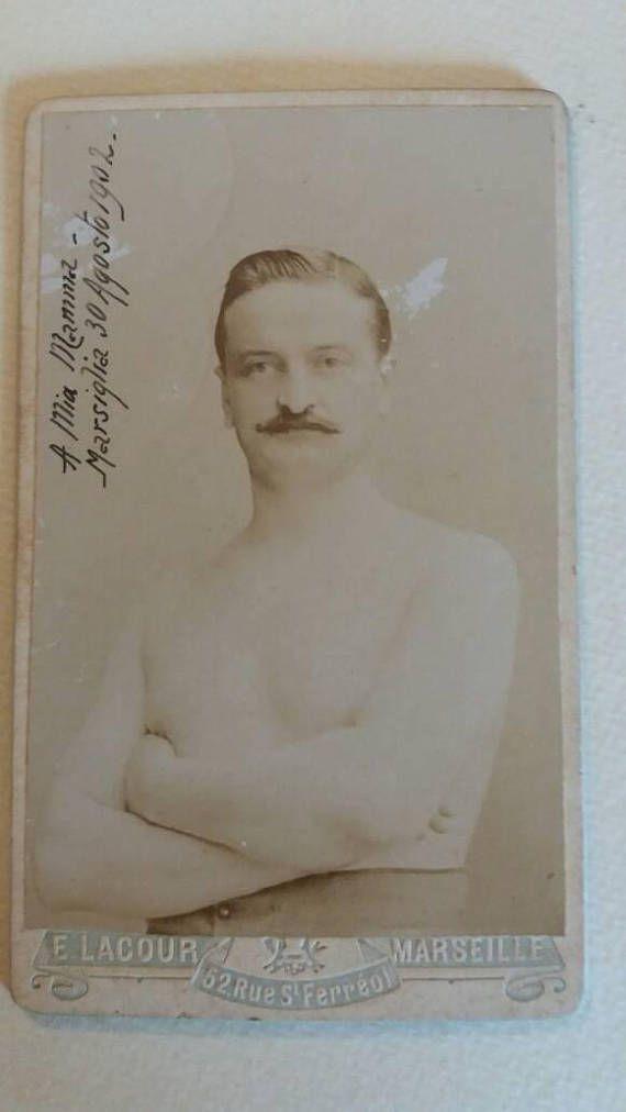 Guarda questo articolo nel mio negozio Etsy https://www.etsy.com/it/listing/541523011/beautiful-1902-portrait-of-a-boxer