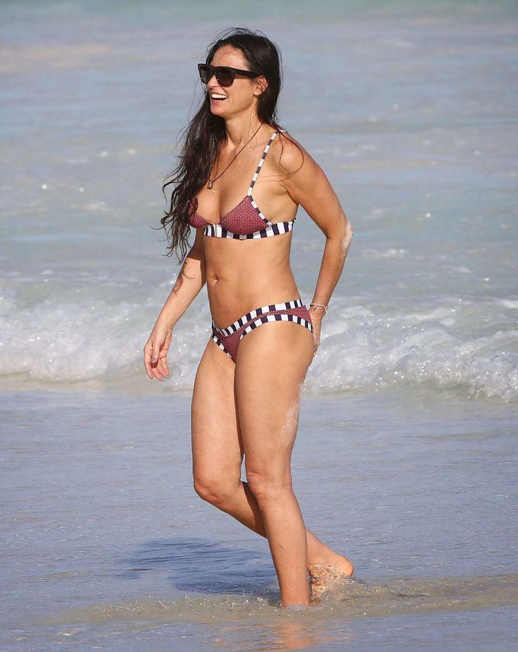 Demi Moore Sexy At 50  Demi Moore In Bikini On The Beach -9893