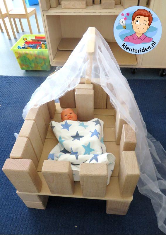 Wieg maken in de blokkenhoek, thema baby, kleuteridee.nl, Kindergarten baby theme