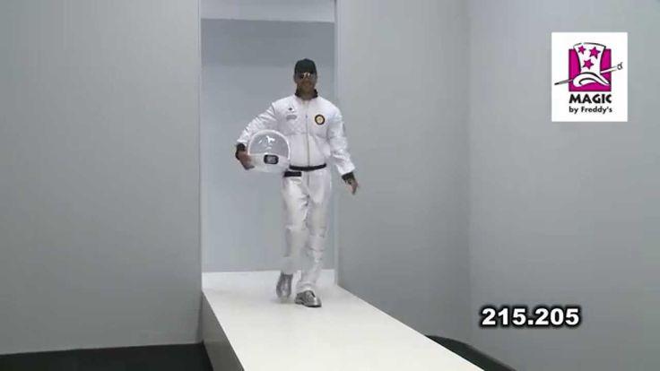 Déguisement astronaute homme luxe http://www.baiskadreams.com/3371-deguisement-astronaute-homme-luxe.html