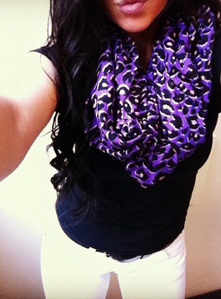 Outfit + that amazing/gorgeous scarf<3