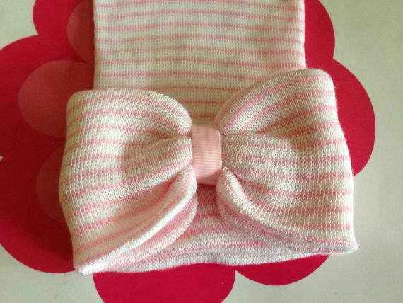 Newborn hat bow hat.