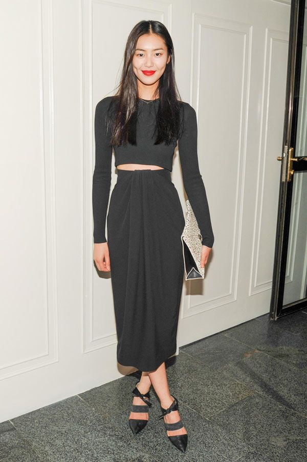 Liu Wen in Proenza Schouler, absolutely love this look with a little bit of midriff showing. The shoes and clutch complete it