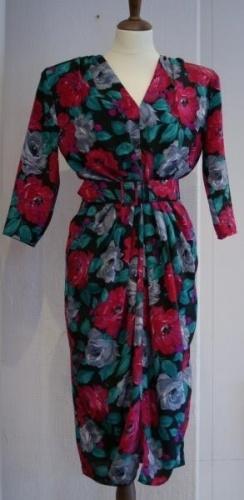 Vintage 80-talls kjole i blomstret mnster Typisk 50-talls look br 86 liv 71 hofter 75 Polyester vaskes for hnd