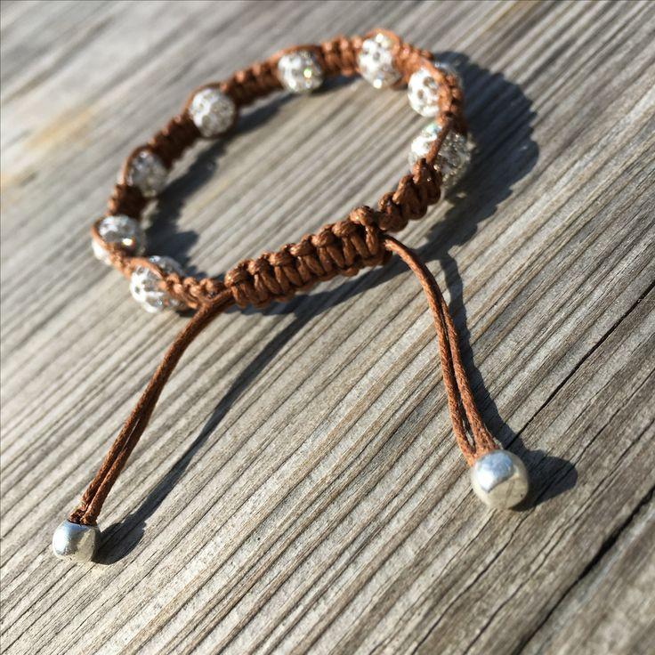 Shambala bracelet #diy #diyjewelry #diybracelet #handmade #handmadejewelry #kidsjewelry #kindersieraden #chunkpalace #fashion #creatief #creative #creatieveworkshops #workshop #workshops #fashion #ibizastyle #ibizajewelry #boho #bohostyle #bohojewelry #bohemian #bohemianstyle #bohemianjewelry