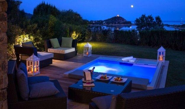 Suite con Jacuzzi privata al Chia Laguna Resort