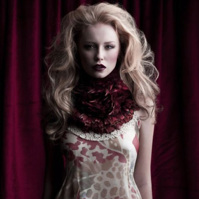 My fave empire rose feather collars in blood red...