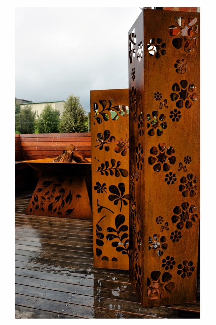 corten steel columns PO Box Designs Image via: http://pinterest.com/source/poboxdesigns.com.au