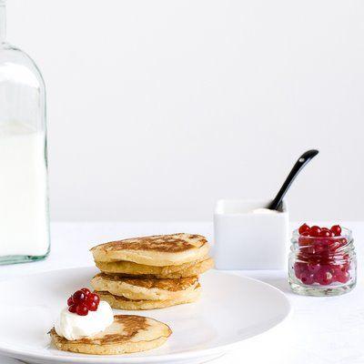 Blinis com iogurte grego e caviar de groselha | :: as melhores receitas de sobremesas de leonor de sousa bastos | flagrante delícia ::