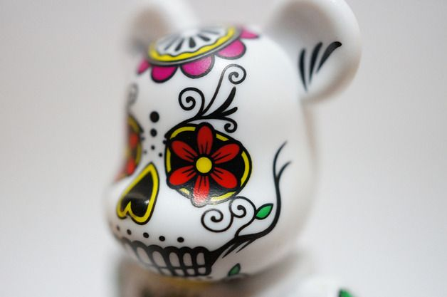 "Scary gifts at DaWanda - Figurines – Be@rbrick Series 26 Horror ""Luck-pusher&q... – a unique product by BearBrick via en.dawanda.com"