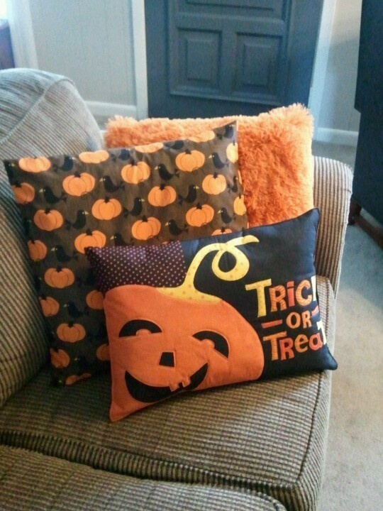 Throw Pillows Dollar General : My latest craze...pillows! The front one was made from a placement, middle one is a slipcover ...
