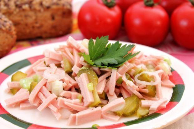 Schwäbischer Wurstsalat- Swabian tart sausage salad