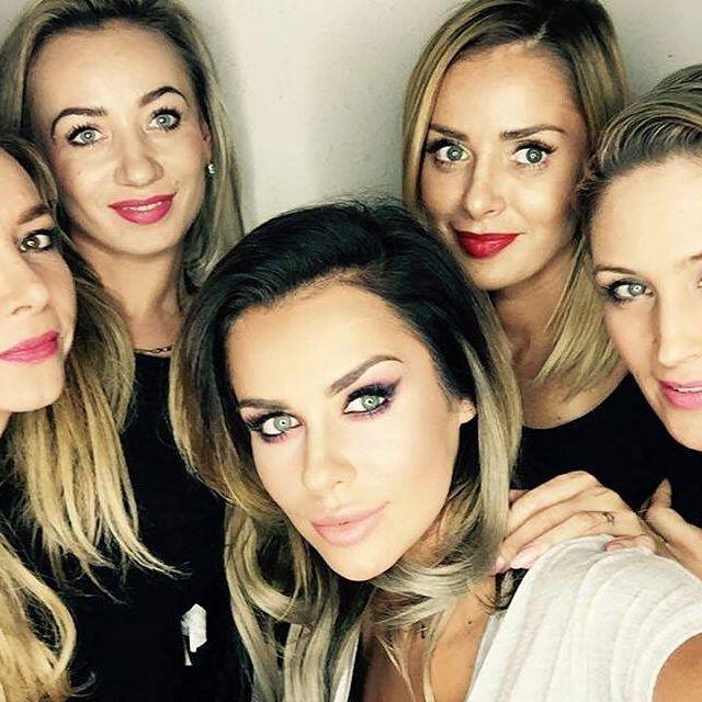 Szkolenie z @magdamakeup i @nataliasiwiec.official to dla nas kolejne doświadczenie i nowe inspiracje. Dziękujemy za przemiłą atmosferę  #salonurody #kamea #elblag #magdapieczonka #nataliasiwiec #makijaz #polishgirl #style #beauty #makeup #nofilter #follow #girls #fashion #smile #friends #like4like
