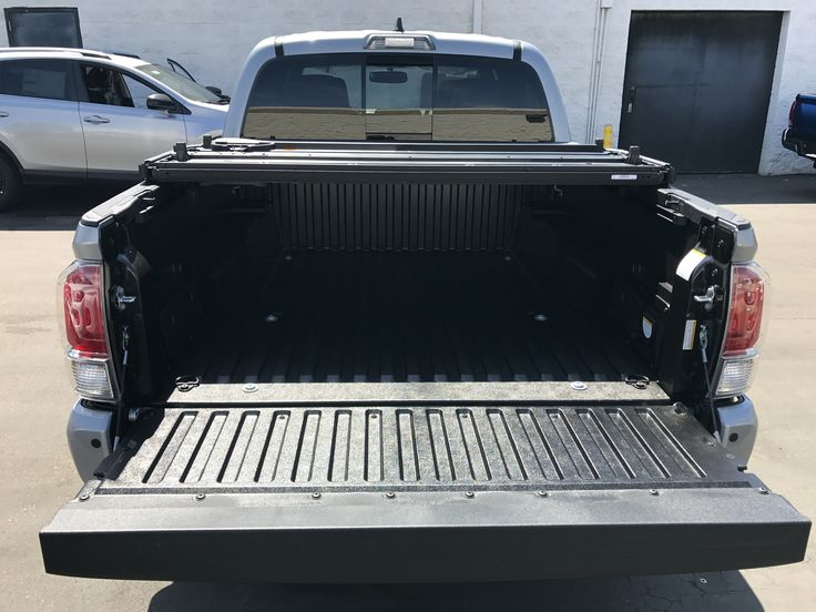 Toyota Tacoma's hard folding tonneau cover