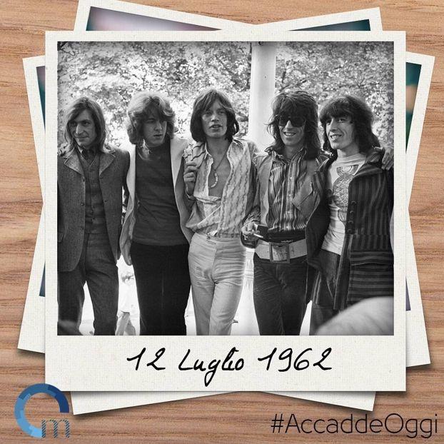 """#12luglio del 1962 la #rock #band #inglese dei Rolling Stones fa il suo primo #debutto. """"Brutti, sporchi e cattivi"""" è l'appellativo che le stesse #minevaganti, guidate da Mick #Jagger, si sono attribuiti #accaddeoggi #rollingstones #music #uk #instarock #instamusic #igersrock #rockroll #anni60 #anni70 #anni80 #blues #igersengland #Marquee #London"""