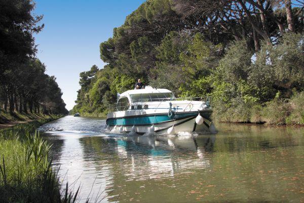 Location de bateau sans permis sur le canal du midi