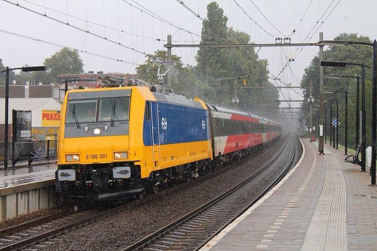 Nieuwe Nederlandse loc te Arnhem 12-08-2014