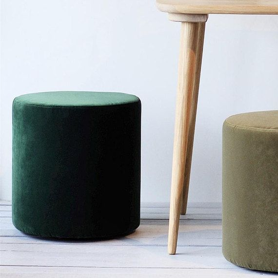 Amazing Set Of Green Pouf And Oak Tray Round Velvet Ottoman Pouf Lamtechconsult Wood Chair Design Ideas Lamtechconsultcom