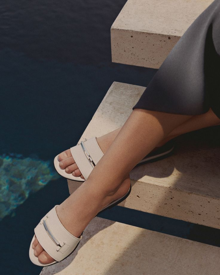 A first step into the new season:  sleek slides from the latest collection #SummerOfEase