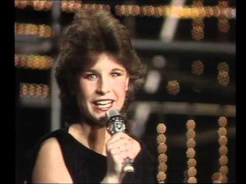 ▶ Eurovision 1983 - Sweden - Carola Häggkvist - Främling [HQ SUBTITLED] - YouTube