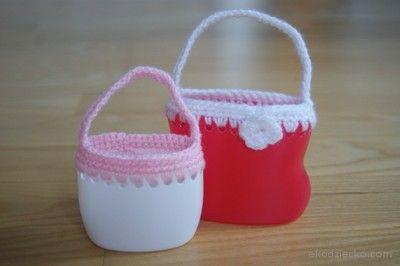 Pojemniki na drobiazgi dla malucha z recyklingu. Containers for treasures for a toddler with recycling.