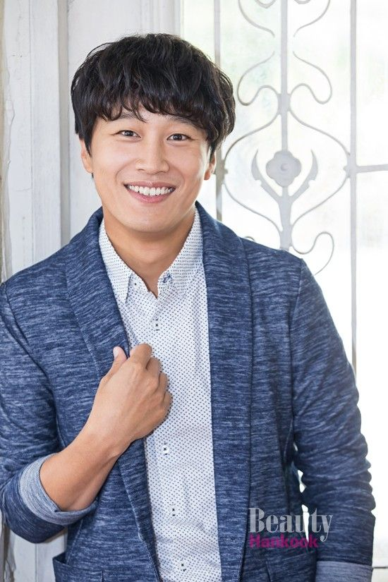 Cha Tae-hyun joins variety drama The Best Hit as actor and director » Dramabeans Korean drama recaps