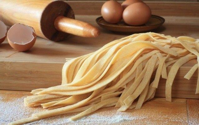 Η βασική συνταγή για να φτιάξετε δικές σας χυλοπίτες στο σπίτι.