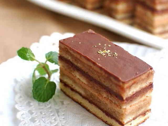 オペラ風チョコレートケーキの画像