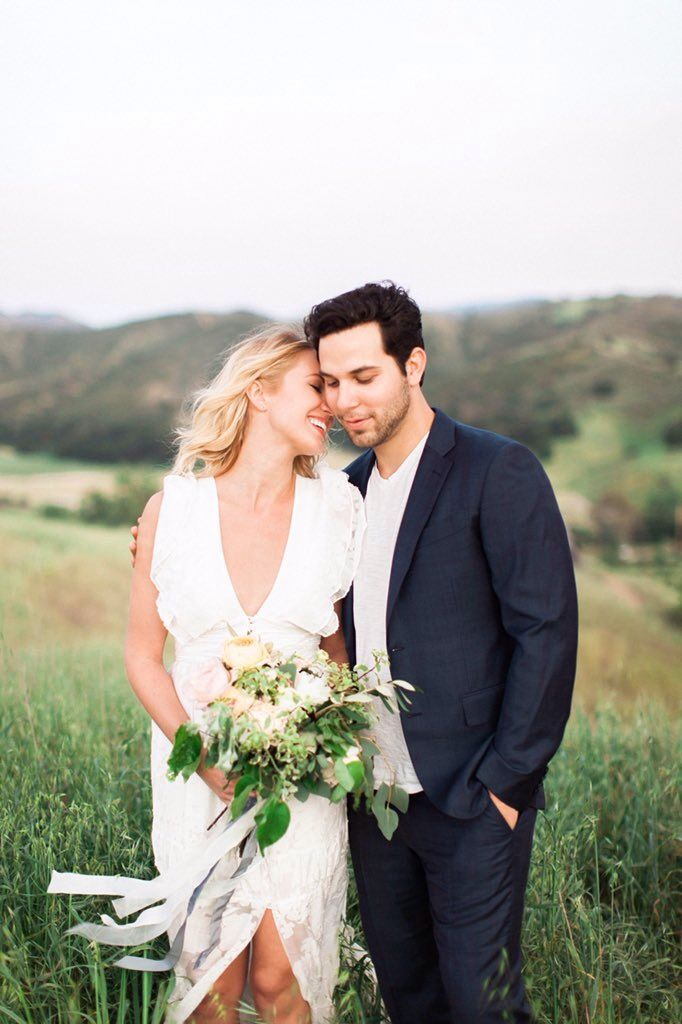 Anna Camp & Skylar Astin engagement photo. From Anna's twitter.