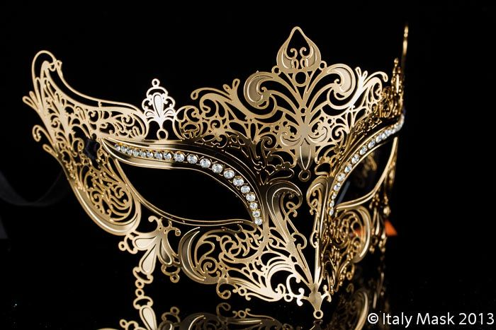 Venetian Masquerade Filigree Mask Colombina Lusso Diana Gold (at italymask.com)