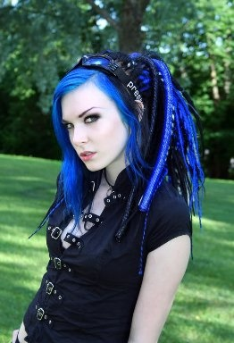 Loving the vibrant blue cyber goth hair! the colour is intense!