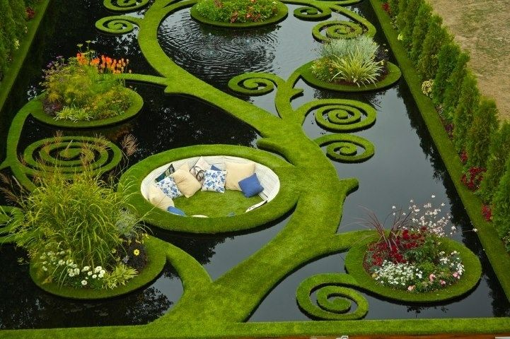 In this sunken alcove garden in New Zealand. | 30 Places You'd Rather Be Sitting Right Now