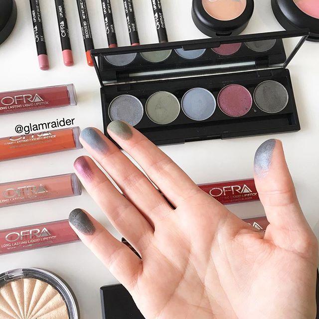 My view 👌🏼 The smokey eye  palette from @ofracosmetics swatched 💯 #ofracosmetics #eyes #glamraider
