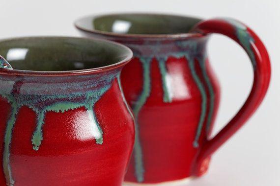 Set di due tazze di gres porcellanato, tazze in ceramica, jade Green, smalto rosso ciliegio.