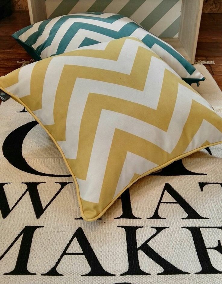 Poduszki zig zag dostępne w różnych rozmiarach i kształtach w naszym sklepie internetowy/ Pillows zig zag available in different sizes and shapes in our online shop.