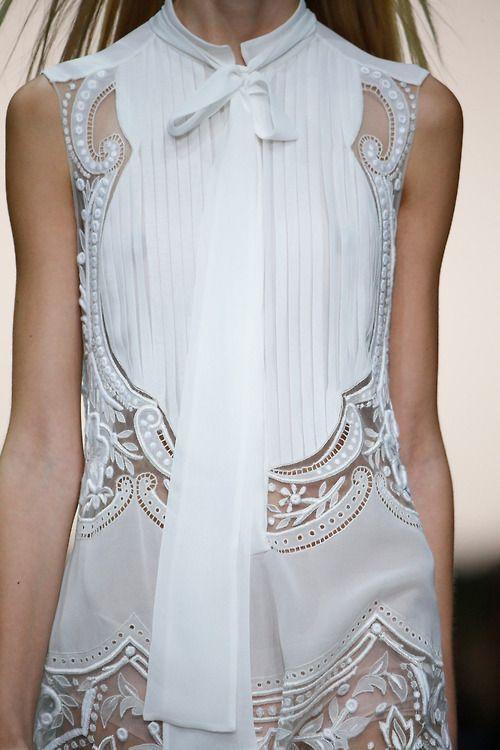 White sleeveless dress with pleats & embroidery; fashion details // Roberto Cavalli Spring 2015