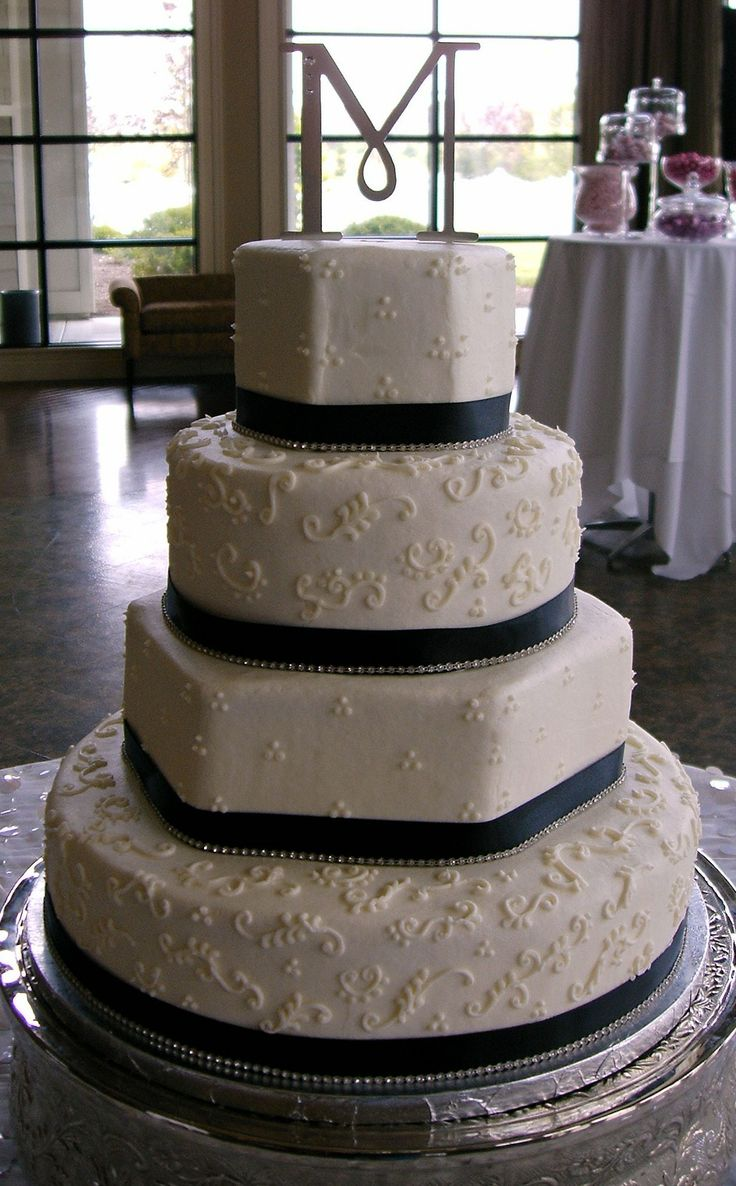 wedding cakes in lagunbeach ca%0A Navy Wedding Cake  this is really neat  And it even has an M on