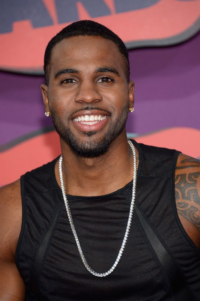 Jason Derulo Photos: Arrivals at the CMT Music Awards